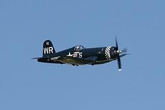 O F4U-5N Corsair foi considerado o mais eficaz caça dos EUA baseado em Porta-Aviões e utilizado em grande escala na Guerra do Pacífico durante a Segunda Guerra Mundial . Foram construídas cerca de 12.571 aeronaves. Seu principal fabricante foi a empresa Vought, embora, em função da demanda também foram produzidas pelas fábricas Goodyear e Brewster. Muitos pilotos japoneses o consideravam o melhor caça norte-americano de combate. Além de ser um excelente caça, o F4U também se mostrou um ótimo caça-bombardeiro. Especificações técnicas: Tripulação: 1 piloto, Comprimento: 10,1 m , Envergadura: 12,5 m, Altura: 4,90 m, Peso carregado: 5 185 kg , Motor: 1 x motor a pistão radial Pratt & Whitney R-2800-8 com potência de 2 000 hp , Velocidade máx.: 671 km/h, Teto de serviço: 11 247 m , Armamentos: 4 x metralhadoras AN/M2 Browning de 12,7 mm (0,500 in) com 400 disparos cada 2 x metralhadoras AN/M2 Browning com 375 disparos por arma,4 x foguetes HVAR de 127 mm (5,00 in) e/ou 900 kg (1 980 lb) de bombas. Fonte: http://www.wwiiaircraftperformance.org/f4u/jt259.html